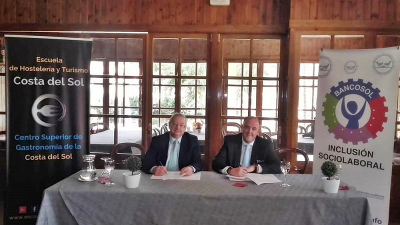 Bancosol firmado acuerdo colaboración con Escuela Hosteleria y Turismo Costa del Sol